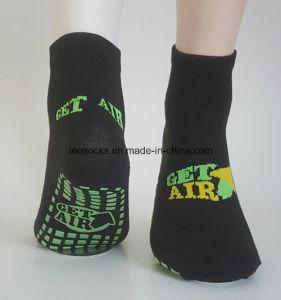Hot Selling Non Slip Socks Yoga Socks pictures & photos