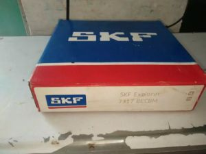 7317 Angular Contact Ball Bearing SKF