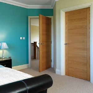 Modern Design Flush Panel Oak Veneered Door pictures & photos
