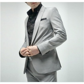 Top-Quality Latest Design Customed Brand Sliver Men′s Fashion Suits pictures & photos
