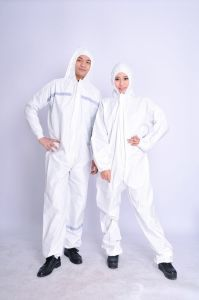 Breathable and Lightweight Disposable Polypropylene Protective Non Woven Coverall pictures & photos