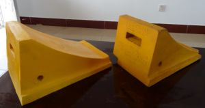 Rubber Wheel Chock, Wheel Stopper, Rubber Deceleration Strip, Rubber Cushion, Car Stopper pictures & photos