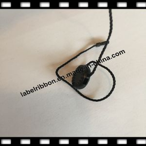 Wholesale Customized Logo Tag with String/Plastic Seal Hanging Tag /Embossed Tablet (ST021) pictures & photos