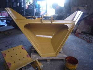 Trapezoidal Bucket pictures & photos