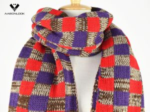 2017 New Acrylic Warm Thick Colorful Grid Knit Scarf pictures & photos