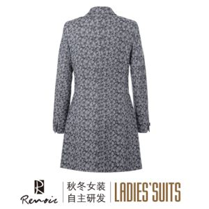 OEM 100c Peak Lapel Women′s Overcoat pictures & photos