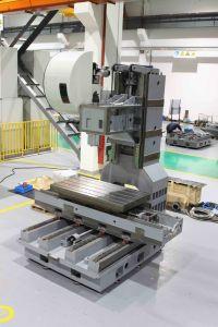 CNC Milling Machine (VM1304H) pictures & photos