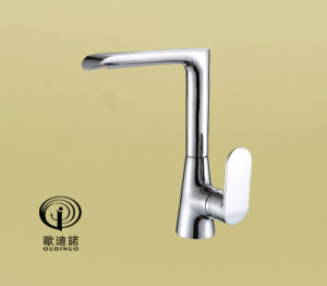 Brass Body Zinc-Alloy Handle Kitchen Faucet&Mixer 70079 pictures & photos