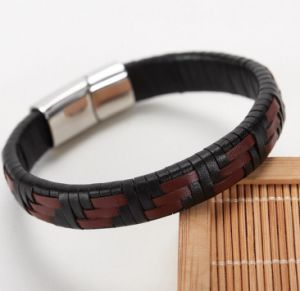 Stainless Steel Brown Leather Jewelry Handmade Bracelet pictures & photos