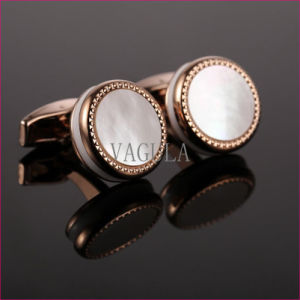 VAGULA New Cuffs Natural Mother Pearl Gemelos Cuff Links Sea Shell Cufflinks 52500 pictures & photos