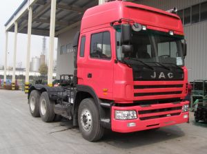 JAC 4X2 and 6X4 Tractor Truck with Pulling 60 to 100 Ton pictures & photos