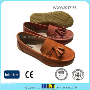 Wholesale Leather Upper China Fashion Comfortable Women Shoes pictures & photos