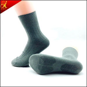 High Quality Adult Knitted Anti-Slip Socks Rubber Soles Hosiery pictures & photos