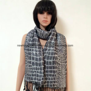 100% Polyester Fashion Jacquard Scarf with Silver, 2 Sides Tassels pictures & photos