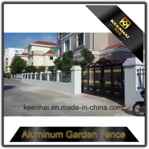 Modern Design Aluminum Driveway Gate pictures & photos
