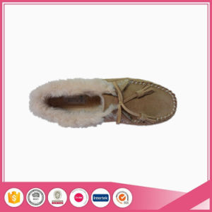Sheepskin Moccasin Shoe with Faux Fur Lining pictures & photos