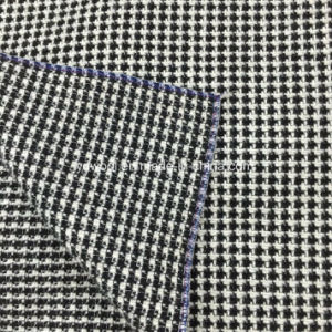 Plain Yarn-Dyed Wool Fabric Overcoat pictures & photos
