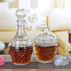 2016 Hot-Sale Liquor/Wine/Spirit Glass Bottle pictures & photos