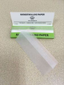 Small Size Rolling Paper Cigarette Paper pictures & photos