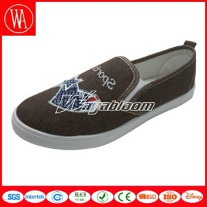 Flat Comfort Canvas Women Shoes with Stars Printing pictures & photos