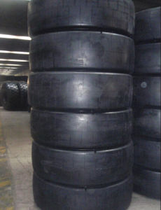 L-5s/ L-4s Smooth Tyre 14.00-24, Scraper Tyre, OTR Tyre 1400-24 pictures & photos