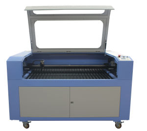 Laser Engraving Machine 640 Laser Cutting Machine with SGS pictures & photos