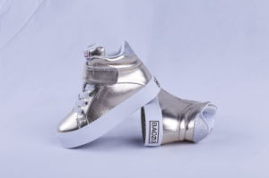 Vulcanized Shoes Fashion Girl Shoes Rubber Outsole pictures & photos
