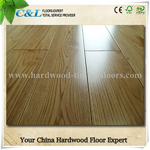 Natural Oak Hardwood Flooring pictures & photos