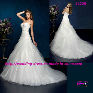 2015 New Style Gown Wedding Dress with Sweetheart pictures & photos