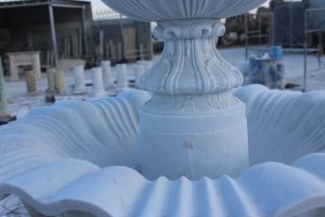 Stone Carving Marble Sculpture Water Fountain for Garden Decoration pictures & photos