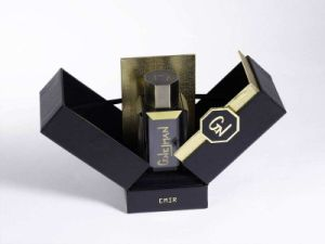 Custom Design Cosmetic Folding Gift Paper Perfume Packaging Box pictures & photos