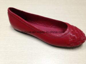 Lady Leather Woven with Round Head Leisure Flat Shoe pictures & photos