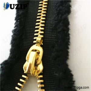 Metal Zipper Manufacturers in China / Zip Fasteners Heavy Duty / Metallic Gold Zipper
