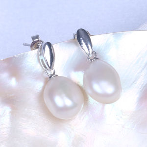 Baroque Shape Freshwater Pearl Earring 925 Silver Jewelry pictures & photos