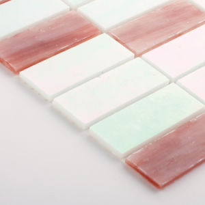Hand Cut Red and White Rectangle Glass Kitchen Mosaic Tiles pictures & photos