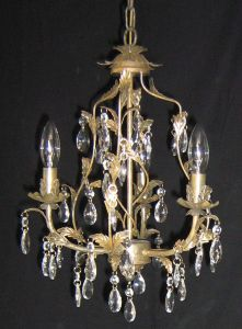 Romatic Pink Finishing Decorative Small Crystal Chandelier pictures & photos