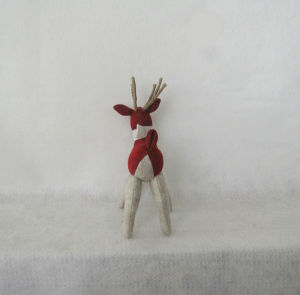Christmas Home Decoration Knitted Reindeer with Greeting on Neck pictures & photos