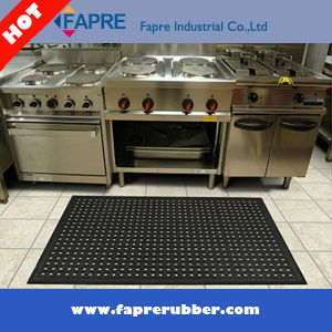 Anti-Slip Oil and Anti-Fatigue Drainage Rubber Mat pictures & photos