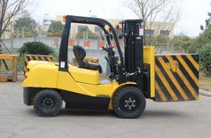 3 Ton Diesel Forklift Truck with Japanese Engine Isuzu C240 Engine pictures & photos