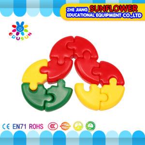 Children Plastic Desktop Toy Bend Building Blocks pictures & photos