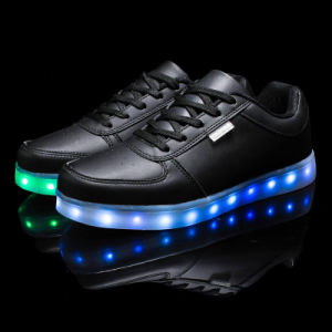 OEM New Style Fashion LED Light Comfort Sports Shoes for Men