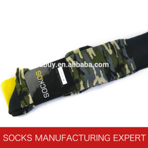 Men′s Cotton Camouflage Football Sock pictures & photos