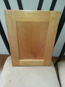 Maple Solid Wood Simple Kitchen Cabinet pictures & photos