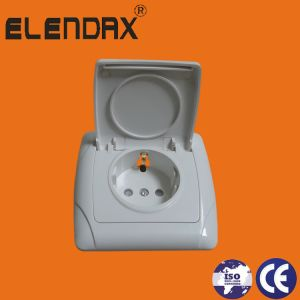 Elendax Flush Mounted Wall Safety-Locked Grounded Socket Outlet (F3510) pictures & photos