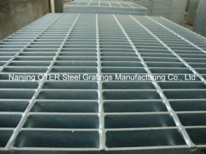 Heavy Duty Galvanized Steel Grating pictures & photos
