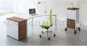 Contemporary Metal Leg Wooden Executive Office Desk Modern Style (SZ-OD605) pictures & photos