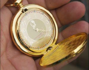 Fashion Design Pocket Gift Sliver Watch as Anniversary