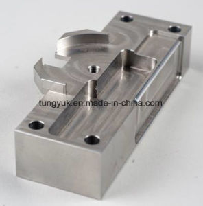 2017 Customized High Precision CNC Milling & Turning Machining Parts pictures & photos