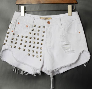 European High Quality Ripped Rivet Latest Cat Fringed High Waist Women′s Short Jeans Pants pictures & photos