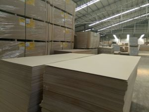 Natural Veneer Fancy MDF/HDF 12mm 15mm 18mm pictures & photos